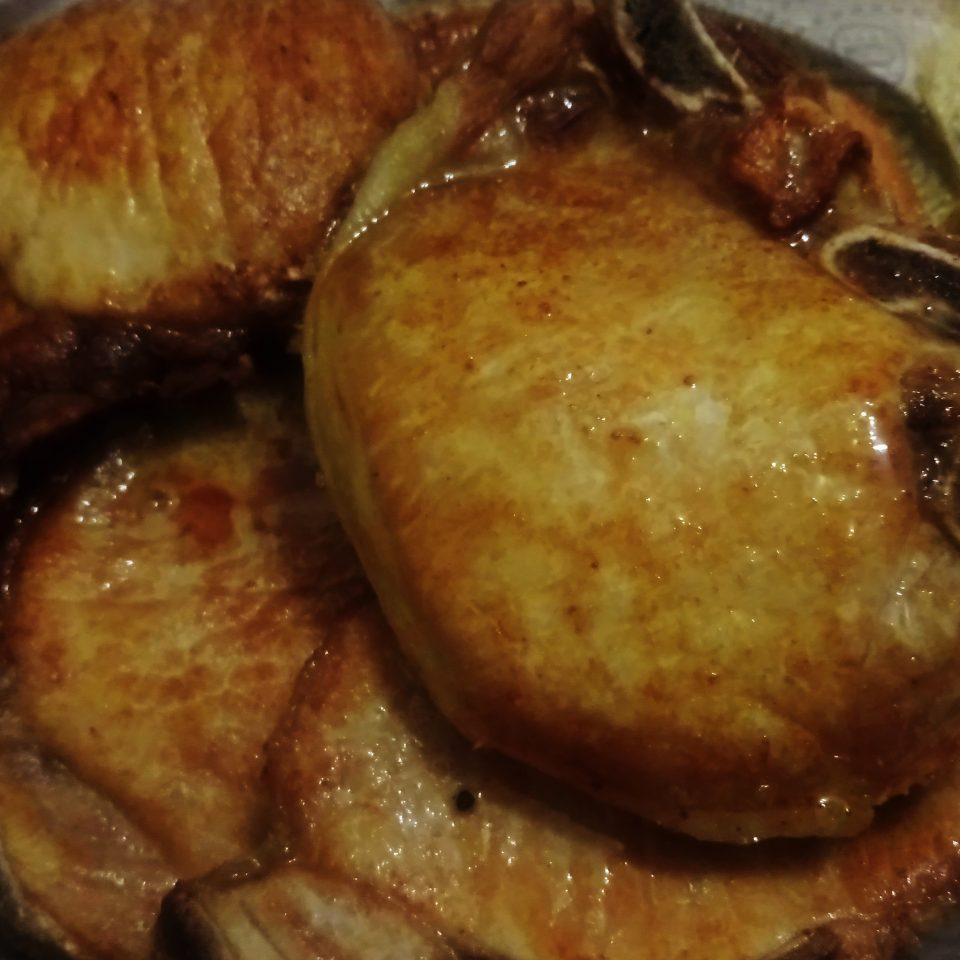 Bisteca de porco frita