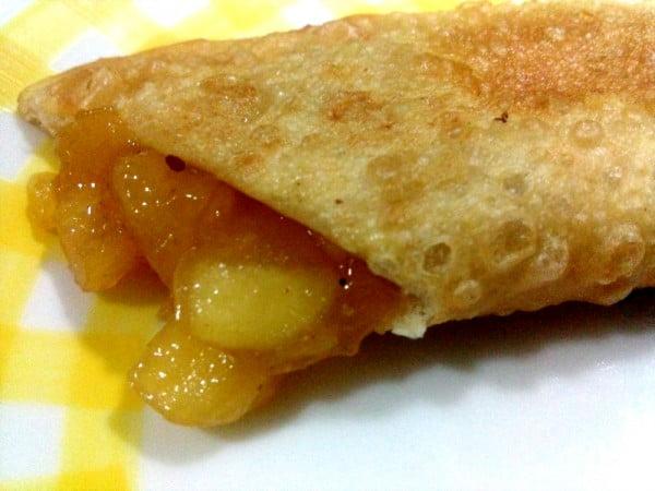 Tortinha frita de maçã